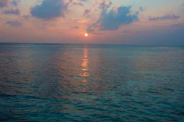 Maldivas hotel por do sol 2