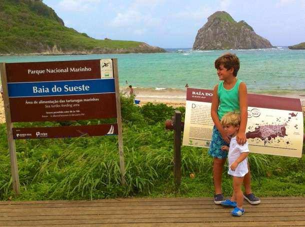 Noronha Praia Sueste placa