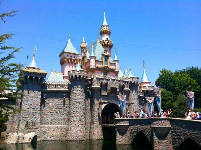 CA Disney planejando capa