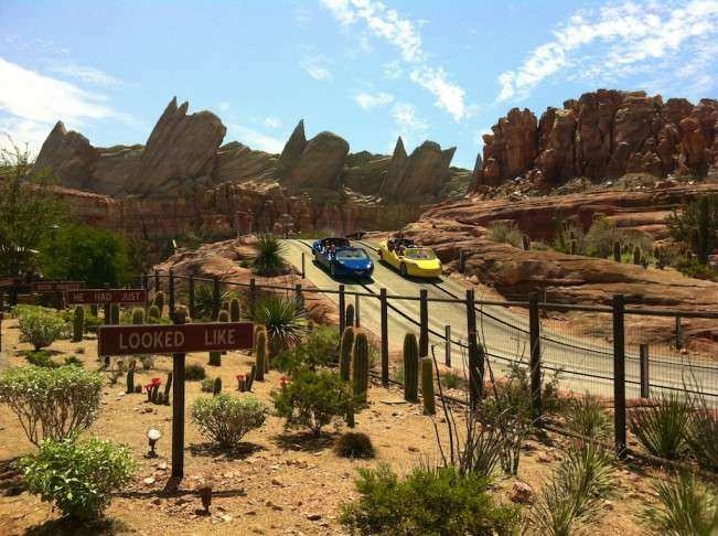 CA Disney Carros Racers (1)