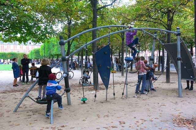 Paris Place des Vosges 2
