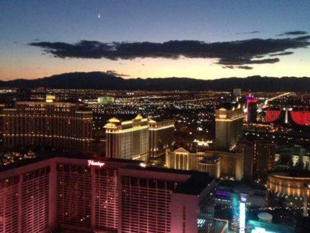 Como chegar em Las Vegas: carro ou avião